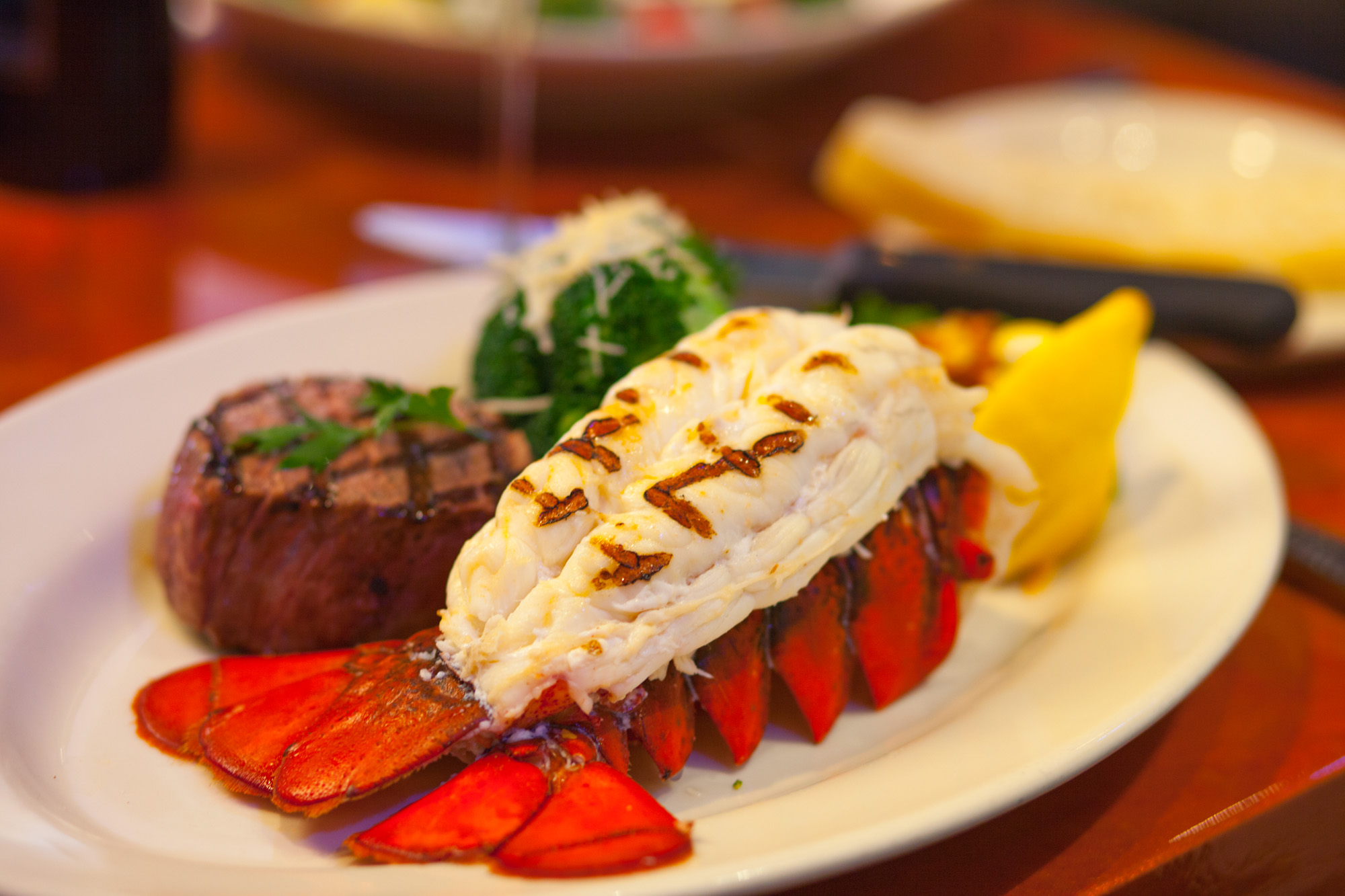 Steak & Lobster 2000x1333